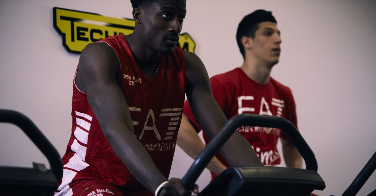 Players from Olimpia Basket Milano