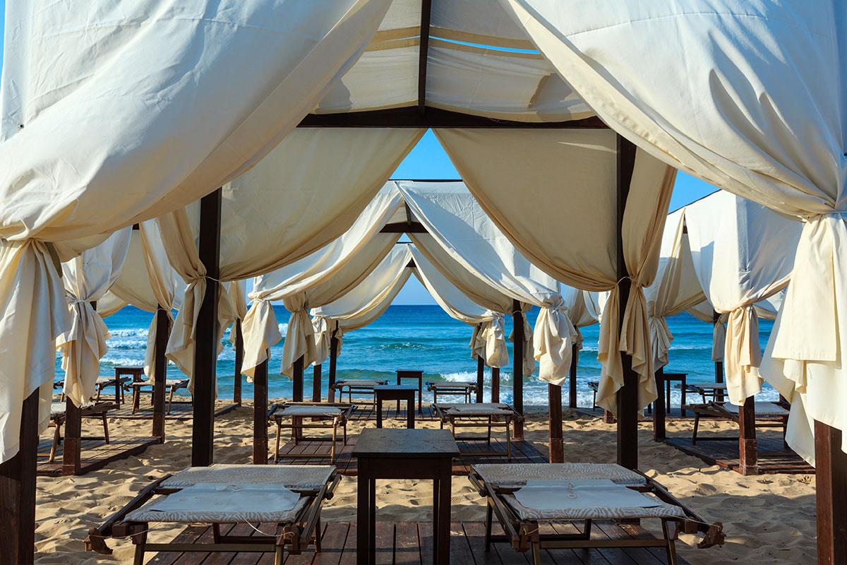 seashore-tents