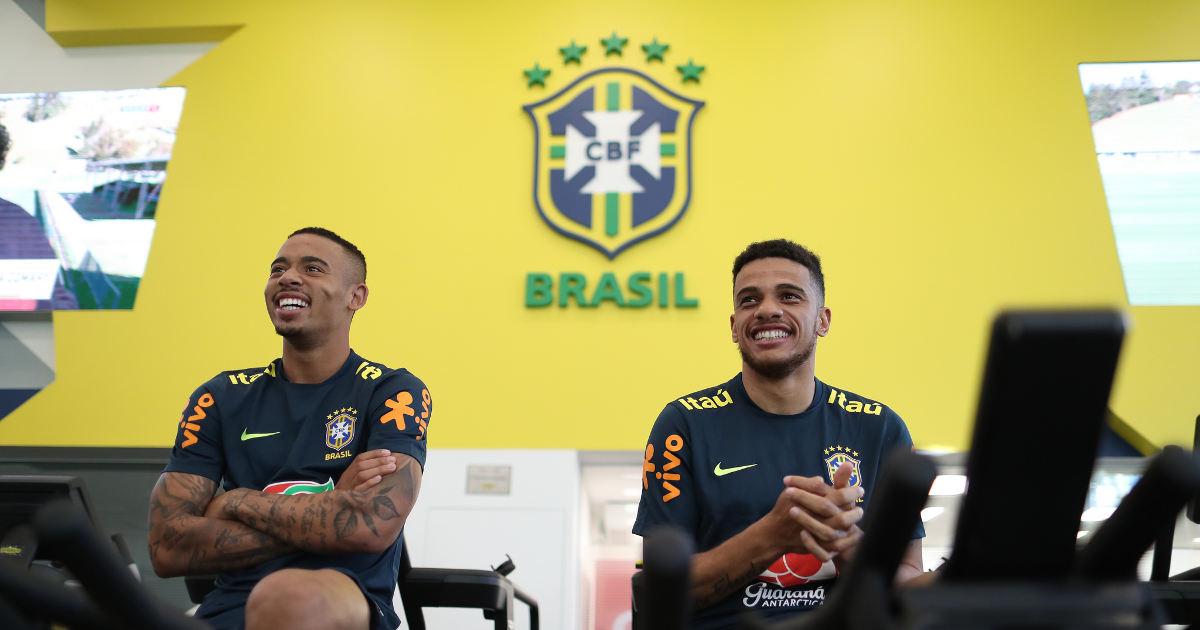 BRAZILIAN FOOTBALL PLAYERS